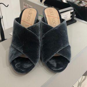 Chunky heel open toe shoes